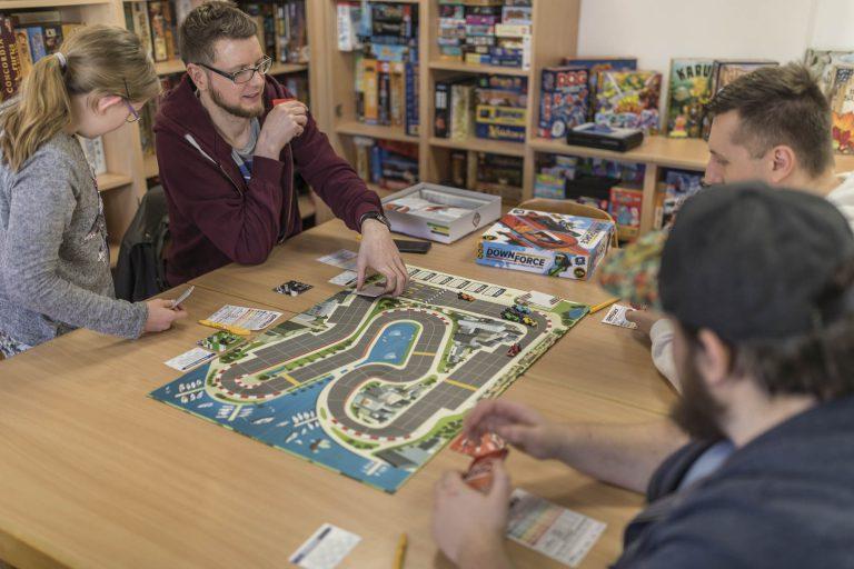 Spielecafé der Generationen (Quelle: jungundaltspielt.de)